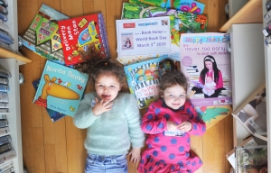 REPRO FREE Molly May O'Sullivan (3) from An Cliabhain Creche, Ballypheane Community Centre pictured at the launch of a joint Happy Talk and Cork City Libraries initiative for World Book Day. To celebrate Happy Talk and Cork City Libraries will host a Book Swap on World Book Day, March 3rd. Pic Daragh Mc Sweeney/Provision